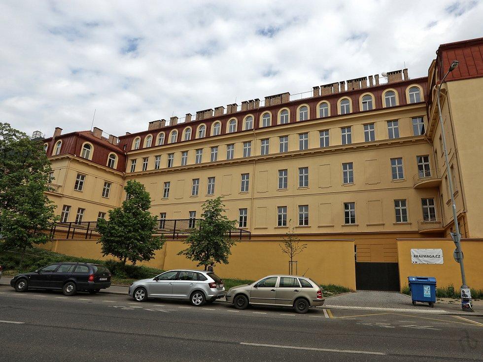 Proč a jak vzniklo smíchovské gymnázium na Smíchovské SPŠ? Co unikátního nabízí?